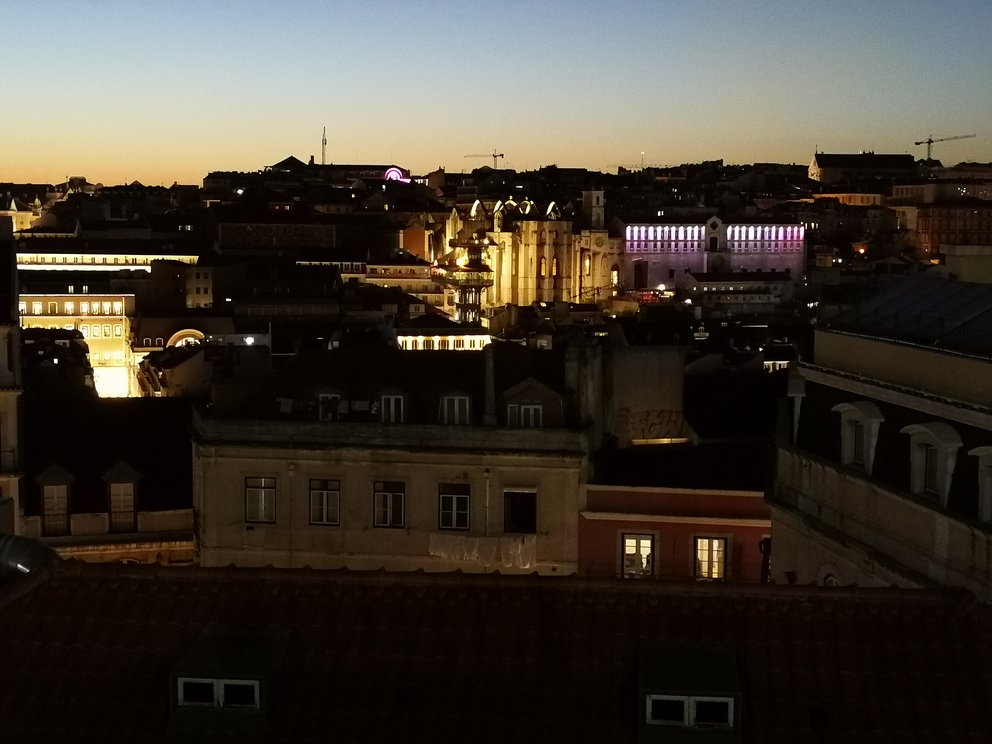 Blick vom Castelo de Sao Jorge bzw. der Bar Zambeze